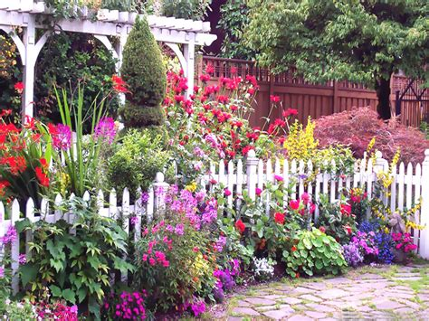 English Flower Garden Pictures, Photos, and Images for