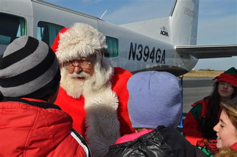 Pilots fly holly, gifts to island in Tangier Holly Run - AOPA